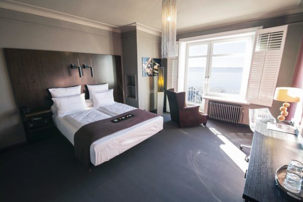 Strandhotel_Blankenese-Zimmer-Elbblick-08 0